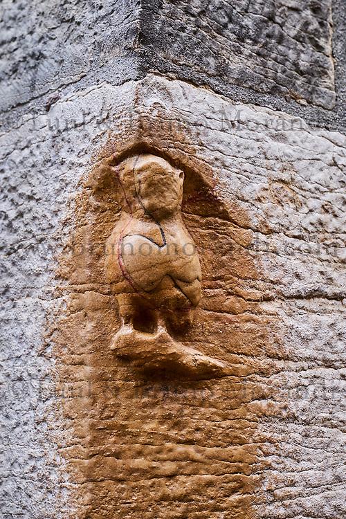 France, Côte d'Or (21), Paysage culturel des climats de Bourgogne classés Patrimoine Mondial de l'UNESCO, Dijon, chouette porte-bonheur sculptée se trouvant sur le contrefort Nord de l'église Notre-Dame