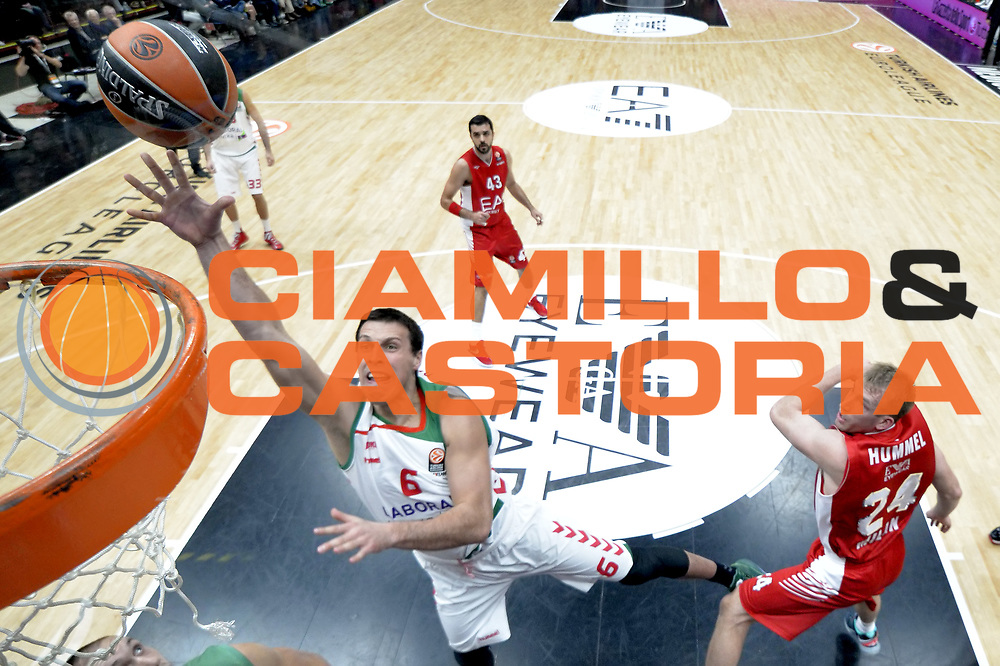 DESCRIZIONE : Milano Eurolega Euroleague 2015-16 <br /> EA7 ARMANI MILANO Vs LABORAL KUTXA VITORIA<br /> GIOCATORE : Planinic Darko<br /> CATEGORIA : Special<br /> SQUADRA : Olimpia EA7 Emporio Armani Milano<br /> EVENTO : Eurolega Euroleague 2015-2016 GARA : EA7 ARMANI MILANO Vs LABORAL KUTXA VITORIA<br /> DATA : 16/10/2015 <br /> SPORT : Pallacanestro <br /> AUTORE : Agenzia Ciamillo-Castoria/I.Mancini <br /> Galleria : Eurolega Euroleague 2015-2016 Fotonotizia : Milano Eurolega Euroleague 2015-16 EA7 ARMANI MILANO Vs LABORAL KUTXA VITORIA<br /> Predefinita :
