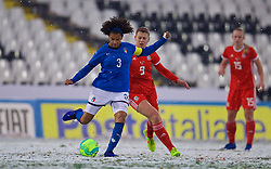 CESENA, ITALY - Tuesday, January 22, 2019: Italy's captain Sara Gama (L) and Wales' Emma Jones during the International Friendly between Italy and Wales at the Stadio Dino Manuzzi. (Pic by David Rawcliffe/Propaganda)