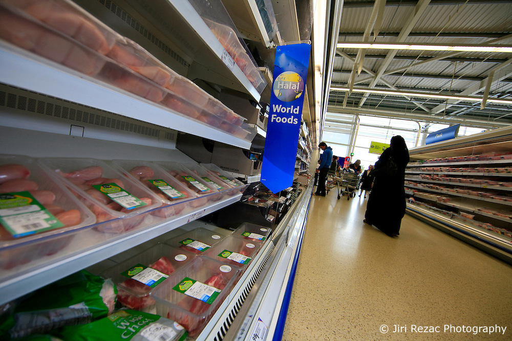 UK ENGLAND LONDON 3SEP08 - Halal food on display at Tesco Extra store in Beckton, east London. Supermarket retailers such as Tesco and Sainsbury's have added a small sortiment of halal foods to their products range, catering for Muslim customers...jre/Photo by Jiri Rezac..© Jiri Rezac 2008..Contact: +44 (0) 7050 110 417.Mobile:  +44 (0) 7801 337 683.Office:  +44 (0) 20 8968 9635..Email:   jiri@jirirezac.com.Web:    www.jirirezac.com..© All images Jiri Rezac 2008 - All rights reserved.