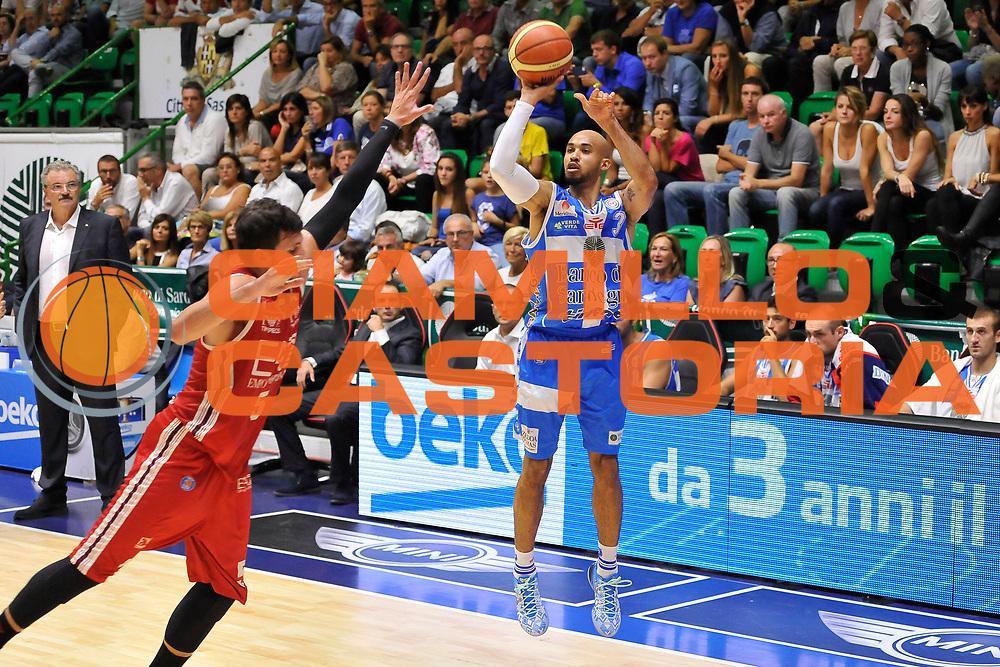DESCRIZIONE : Sassari Lega Serie A 2014/15 Beko Supercoppa 2014 Finale Olimpia EA7 Emporio Armani Milano - Dinamo Banco di Sardegna Sassari<br /> GIOCATORE : David Logan<br /> CATEGORIA : Tiro Tre Punti<br /> SQUADRA :  Dinamo Banco di Sardegna Sassari<br /> EVENTO :  Beko Supercoppa 2014 <br /> GARA : Olimpia EA7 Emporio Armani Milano - Dinamo Banco di Sardegna Sassari<br /> DATA : 05/10/2014 <br /> SPORT : Pallacanestro <br /> AUTORE : Agenzia Ciamillo-Castoria/ Luigi Canu<br /> Galleria : Lega Basket A 2014-2015 <br /> Fotonotizia : Sassari Lega Serie A 2014/15 Beko Supercoppa 2014 Finale Olimpia EA7 Emporio Armani Milano - Dinamo Banco di Sardegna Sassari<br /> Predefinita :