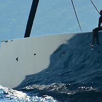 wally 100 ' C'est en 1994 que l'aventure Wally débute à Monaco, quand l'homme d'affaires italien Luca Bassani lance son premier voilier haut de gamme, qui se distingue par son design, son luxe et ses aptitudes en course inshore