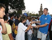 DESCRIZIONE : Milano Invasione degli Ultracanestri Piazza Cairoli Nazionale Italiana Uomini<br /> GIOCATORE : andrea crosariol<br /> SQUADRA : Nazionale Italiana Uomini Italia<br /> EVENTO : Milano Invasione degli Ultracanestri Piazza Cairoli Nazionale Italiana Uomini<br /> GARA : <br /> DATA : 18/07/2007 <br /> CATEGORIA : Ritratto<br /> SPORT : Pallacanestro <br /> AUTORE : Agenzia Ciamillo-Castoria<br /> Galleria : Fip Nazionali 2007<br /> Fotonotizia : Milano Invasione degli Ultracanestri Piazza Cairoli Nazionale Italiana Uomini<br /> Predefinita :