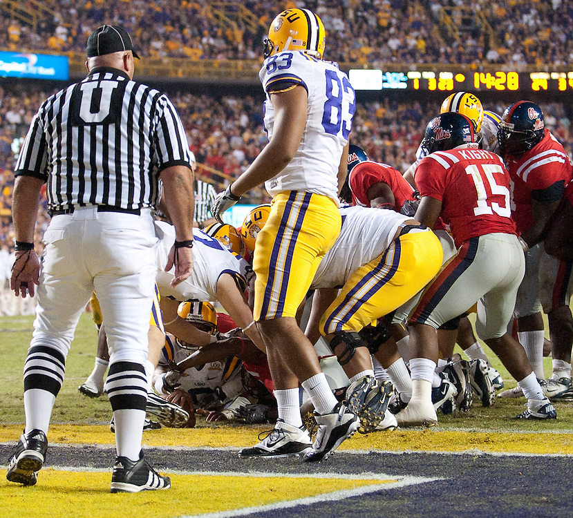 LSU Tigers quarterback Jordan Jefferson (9) runs in for a touchdown during the second half of the football game. LSU Tigers defeated Mississippi Rebels 43-36.