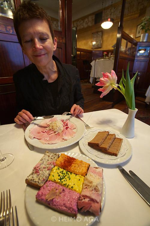 Vienna. Zum schwarzen Kameel. Beinschinken - ham and fresh-grated horseradish, and a variety of sandwiches.