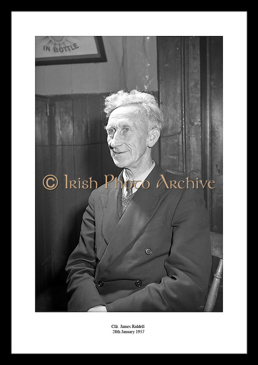 Have a look at our little ideas for mens 30th Birthday gifts. Choose your favorite Irish photography print, from thousands of photos of Old Ireland, available from Irish Photo Archive. Find great ideas for 5th anniversary gifts on irishphotoarchive.ie