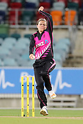 Lea Tahuhu bowling. Women's T20 international Cricket, Australia v New Zealand White Ferns.  Manuka Oval, Canberra, 5 October 2018. Copyright Image: David Neilson / www.photosport.nz