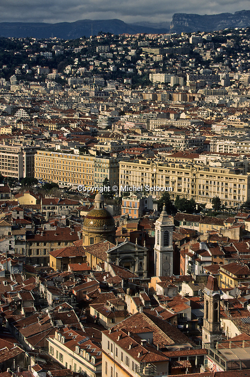 France. Nice. the old city      / la vieille ville  Nice  france   / R00115/    L1733  /  P102868