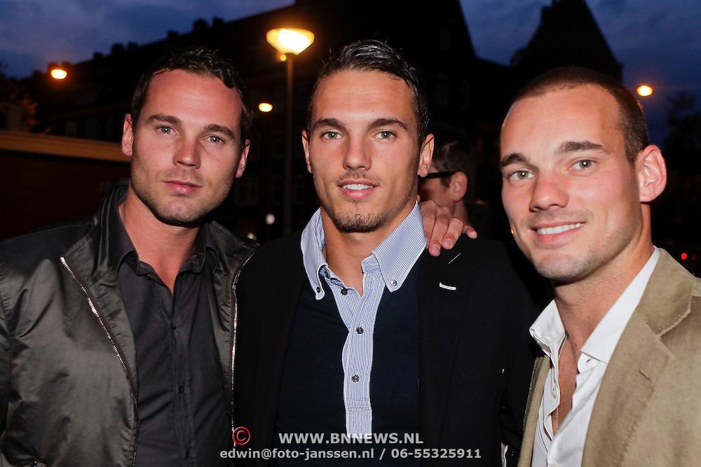 NLD/Amsterdam/20110925 - Benefietavond Red Sun Stichting Stop Kindermisbruik, Wesley Sneijder en broers Rodney en Jeffrey