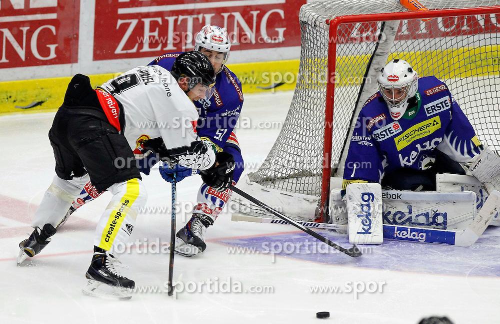 25.01.2015, Stadthalle, Villach, AUT, EBEL, EC VSV vs Dornbirner EC, 42. Runde, im Bild v.l. James Arniel (Dornbirn), Eric Hunter (VSV) und Jean Philippe Lamoureux (VSV) // during the Erste Bank Icehockey League 42th round match between EC VSV vs Dornbirner EC at the City Hall in Villach, Austria on 2015/01/25, EXPA Pictures © 2015, PhotoCredit: EXPA/ Oskar Hoeher