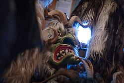 THEMENBILD - eine tradionelle alte Krampusmaske mit großen Hörnern, aufgenommen am 03. Dezember 2017, Kaprun, Österreich // a traditional old Krampus mask with big horns on 2017/12/03, Kaprun, Austria. EXPA Pictures © 2017, PhotoCredit: EXPA/ Stefanie Oberhauser