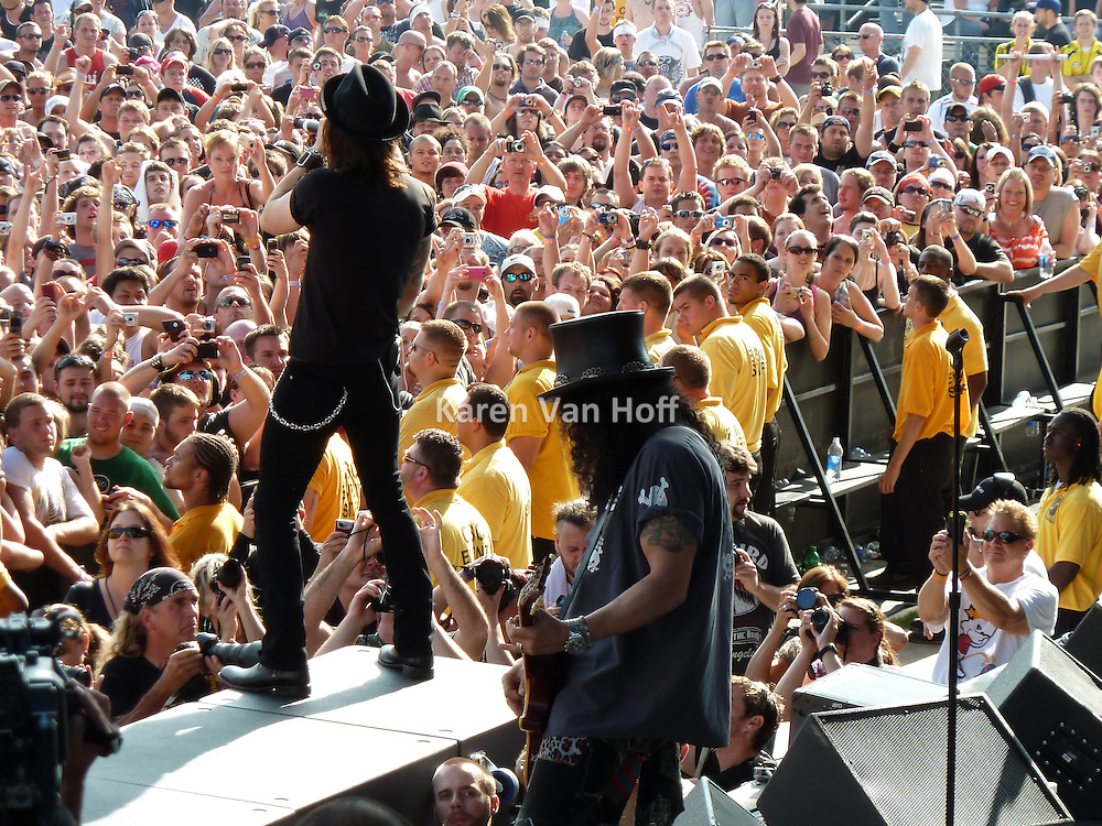 Slash with Myles Kennedy at Rock on the Range in Columbus, OH. May 2010