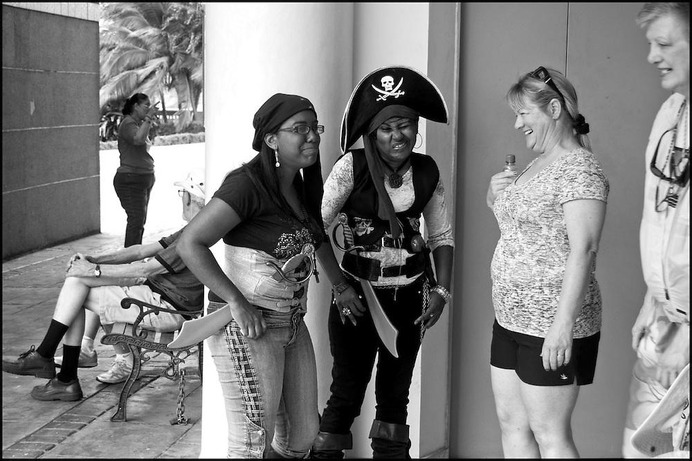 DESDE EL AUTOEXILIO.Photography by Aaron Sosa.Panama City - Panama 2011
