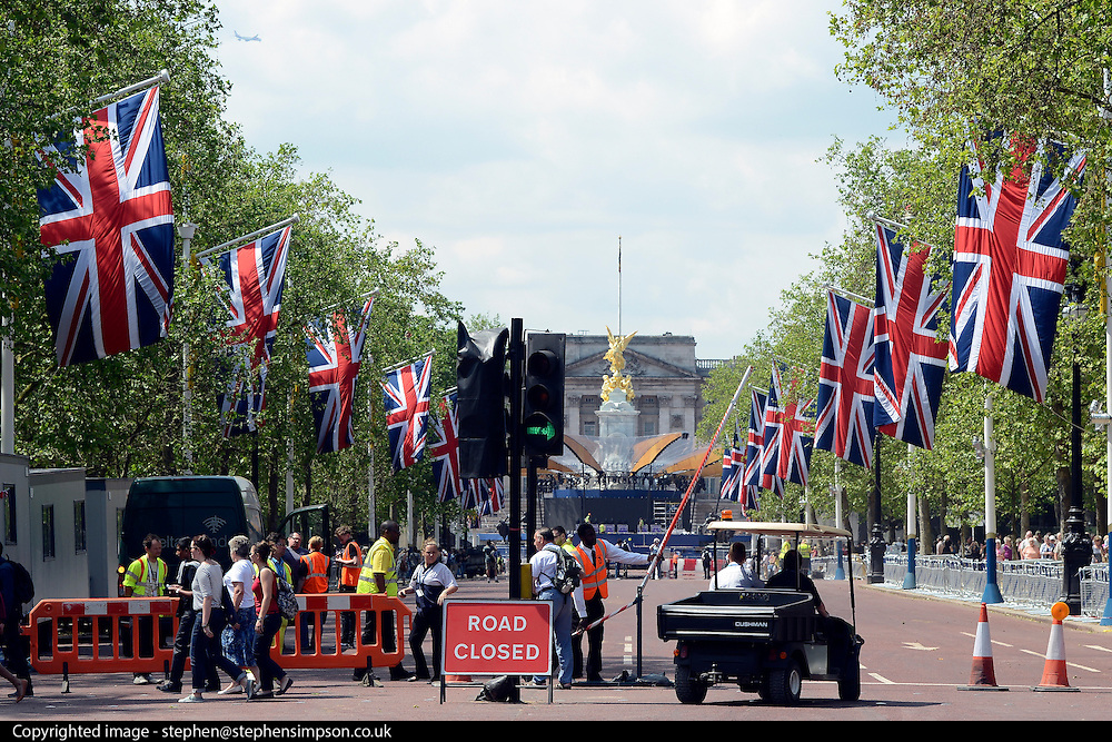 © Licensed to London News Pictures. 30/05/2012. London, UK A view along the Mall towards Buckingham Palace. Preparations today 20th May 2012 around London ahead of The Queen's Diamond Jubilee this weekend. Photo credit : Stephen Simpson/LNP