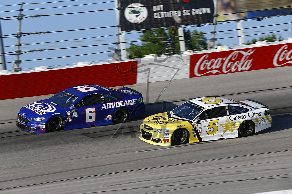 September 03, 2017 - Darlington, South Carolina, USA: Trevor Bayne (6) and Kasey Kahne (5) battle for position during the Bojangles' Southern 500 at Darlington Raceway in Darlington, South Carolina.