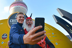 October 28, 2017 - Marcel KITTEL takes a selfie with Dieter 'Didi' Senft, a German cycling fan known as the Didi the Devil or El Diablo, during the 1st TDF Shanghai Criterium 2017 - Media Day..On Saturday, 28 October 2017, in Shanghai, China. (Credit Image: © Artur Widak/NurPhoto via ZUMA Press)