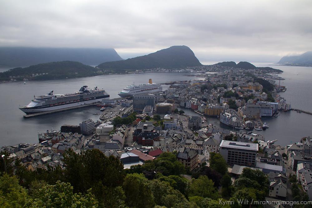 Europe, Norway, Alesund. View of Alesund from Mt. Aksla.