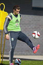 NEWPORT, WALES - Tuesday, October 7, 2014: Wales' Gareth Bale training at Dragon Park National Football Development Centre ahead of the UEFA Euro 2016 qualifying match against Bosnia and Herzegovina. (Pic by David Rawcliffe/Propaganda)