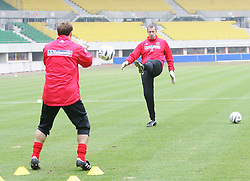 VIENNA, AUSTRIA - TUESDAY MARCH 29th 2005: Wales' goalkeepers Danny Coyne (L) and Paul Jones during a training session at the Ernst Happel Stadium ahead of their World Cup Qualifying Group Six match against Austria. (Pic by David Rawcliffe/Propaganda)