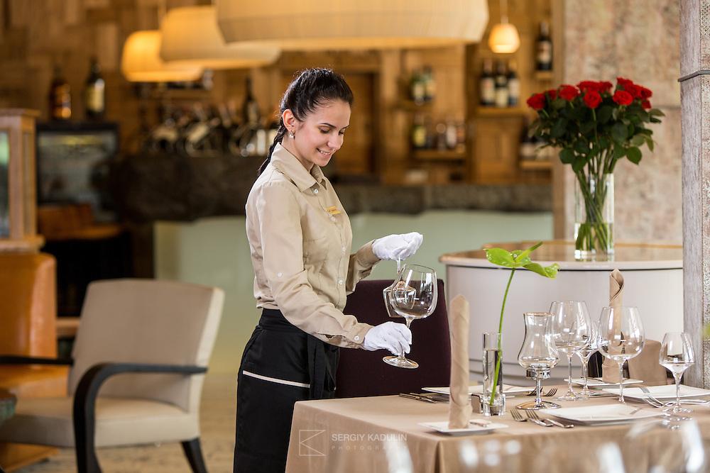 "Сюжетная съемка в ресторане. Фотосъемка для отеля ""Mirotel"", 5*, Украина."