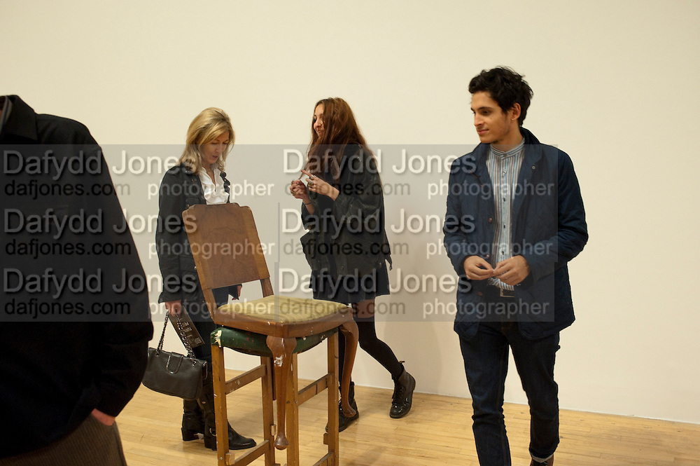 HON MRS. LAURA WEINSTOCK; TISH WEINSTOCK; TIBERIO SIMONELLI IN FRONT OF WORK BY ANGELA DE LA CRUZ, Private view for the Turner prize exhibition. Tate Britain. London. 4 October 2010. -DO NOT ARCHIVE-© Copyright Photograph by Dafydd Jones. 248 Clapham Rd. London SW9 0PZ. Tel 0207 820 0771. www.dafjones.com.