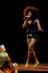 10-05-2008 VOLLEYBAL: DELA MEIDENDAG: APELDOORN<br /> Zo n 1500 meisjes woonden de teampresentatie van het Nederlands vrouwenvolleybalteam bij. De DELA meidendag werd weer een groot succes / Idols zangeres Nathalie<br /> ©2008-WWW.FOTOHOOGENDOORN.NL