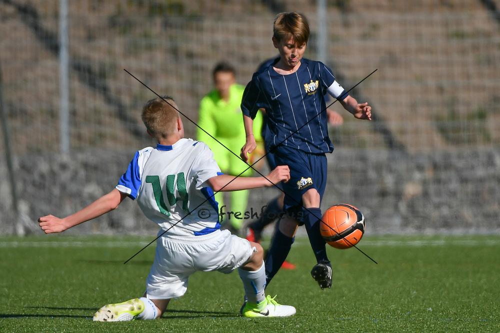 08.04.17; Zuerich; Fussball FCZ Academy - Grasshopper Club - Zuerich FE14 Oberland; <br /> Lorenzet Joe (GC) Buerge Luca (Zuerich) <br /> (Andy Mueller/freshfocus)