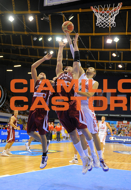 DESCRIZIONE : Gdansk Poland Polonia Eurobasket Men 2009 Preliminary Round Russia Lettonia Russia Latvia<br /> GIOCATORE : Dimitry Sokolov<br /> SQUADRA : Russia Russia<br /> EVENTO : Eurobasket Men 2009<br /> GARA : Russia Lettonia Russia Latvia<br /> DATA : 07/09/2009 <br /> CATEGORIA : rimbalzo rebound<br /> SPORT : Pallacanestro <br /> AUTORE : Agenzia Ciamillo-Castoria/T.Wiedensohler<br /> Galleria : Eurobasket Men 2009 <br /> Fotonotizia : Gdansk Poland Polonia Eurobasket Men 2009 Preliminary Round Russia Lettonia Russia Latvia<br /> Predefinita :