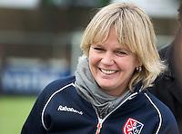 EINDHOVEN- HOCKEY - Na het overlijden van SCHC keeper Inge Vermeulen, enkele weken geleden,  is  Nettie van Maasakker de nieuwe coach  bij Stichtse.   Competitie tussen de vrouwen van Oranje Zwart en SCHC (0-4) . COPYRIGHT KOEN SUYK