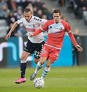 FODBOLD: Christian Køhler (FC Helsingør) presses af Martin Pušić (AGF) under kampen i ALKA Superligaen mellem AGF og FC Helsingør den 13. april 2018 i Ceres Park. Foto: Claus Birch.