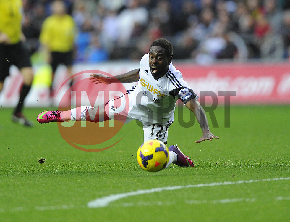 Swansea City's Nathan Dyer stretches for the ball - Photo mandatory by-line: Joe Meredith/JMP - Tel: Mobile: 07966 386802 27/10/2013 - SPORT - FOOTBALL - Liberty Stadium - Swansea - Swansea City v West Ham United - Barclays Premier League