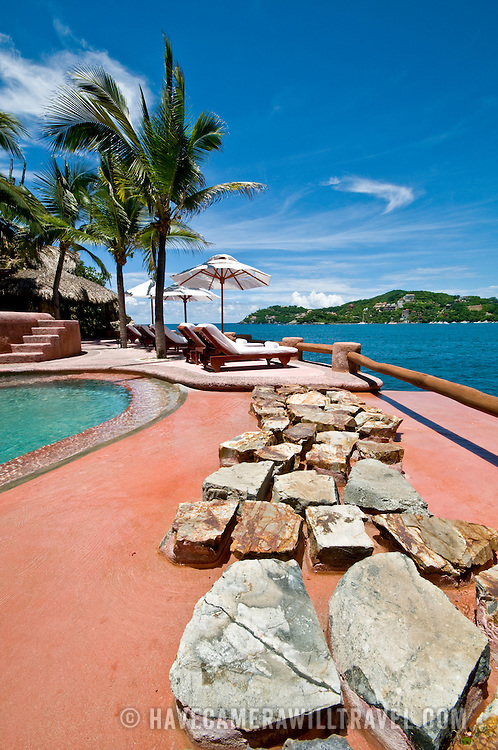 La Casa Que Canta luxury resort at Zihuatanejo, Mexico