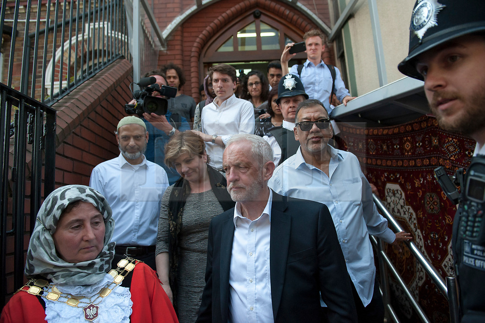 © Licensed to London News Pictures. 19/06/2017. Labour Party leader JEREMY CORBYN is seen leaving Finsbury Park  mosque following a meeting with faith and community leaders.  The Labour Party leader Jeremy Corbyn visited the mosque after a van was used to run down members of the muslim community as they finished taraweeh, Ramadan evening prayers. Photo credit: Guilhem Baker/LNP