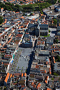 Nederland, Zeeland, Zuid-Beveland, 12-06-2009; Centrum van Goes met aan de Grote Markt het stadhuis en daar achter de Grote of Maria Magdalenakerk .Swart collectie, luchtfoto (25 procent toeslag); Swart Collection, aerial photo (additional fee required).foto Siebe Swart / photo Siebe Swart