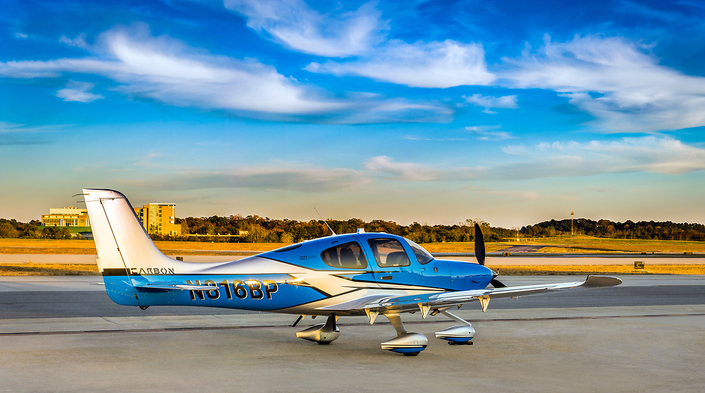 2018 Cirrus Carbon SR22T GTS. photographed at Atlanta's Dekalb Peachtree Airport.  <br /> <br /> Created by aviation photographer John Slemp of Aerographs Aviation Photography. Clients include Goodyear Aviation Tires, Phillips 66 Aviation Fuels, Smithsonian Air & Space magazine, and The Lindbergh Foundation.  Specialising in high end commercial aviation photography and the supply of aviation stock photography for advertising, corporate, and editorial use.