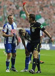 25.09.2011, Weserstadion, Bremen, GER, 1.FBL, Werder Bremen vs Hertha BSC, im Bild Schiedsrichter Dr. Felix Brych schickt Christian Lell (Berlin #2, links) mit Gelb-Rot vom Platz..// during the match Werder Bremen vs Hertha BSC on 2011/09/25, Weserstadion, Bremen, Germany..EXPA Pictures © 2011, PhotoCredit: EXPA/ nph/  Frisch       ****** out of GER / CRO  / BEL ******
