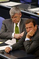 18 JUN 2003, BERLIN/GERMANY:<br /> Joschka Fischer (L), B90/Gruene, Bundesaussenminister, und Gerhard Schroeder (R), SPD, Bundeskanzler, im Gespraech, waehrend der Bundestagsdebatte zur Beteiligung der Bundeswehr am EU-gefuehrten Einsatz im Kongo, Plenum, Deutscher Bundestag<br /> IMAGE: 20030618-01-070<br /> KEYWORDS: Debatte, Rede, Gerhard Schröder, Gespräch,