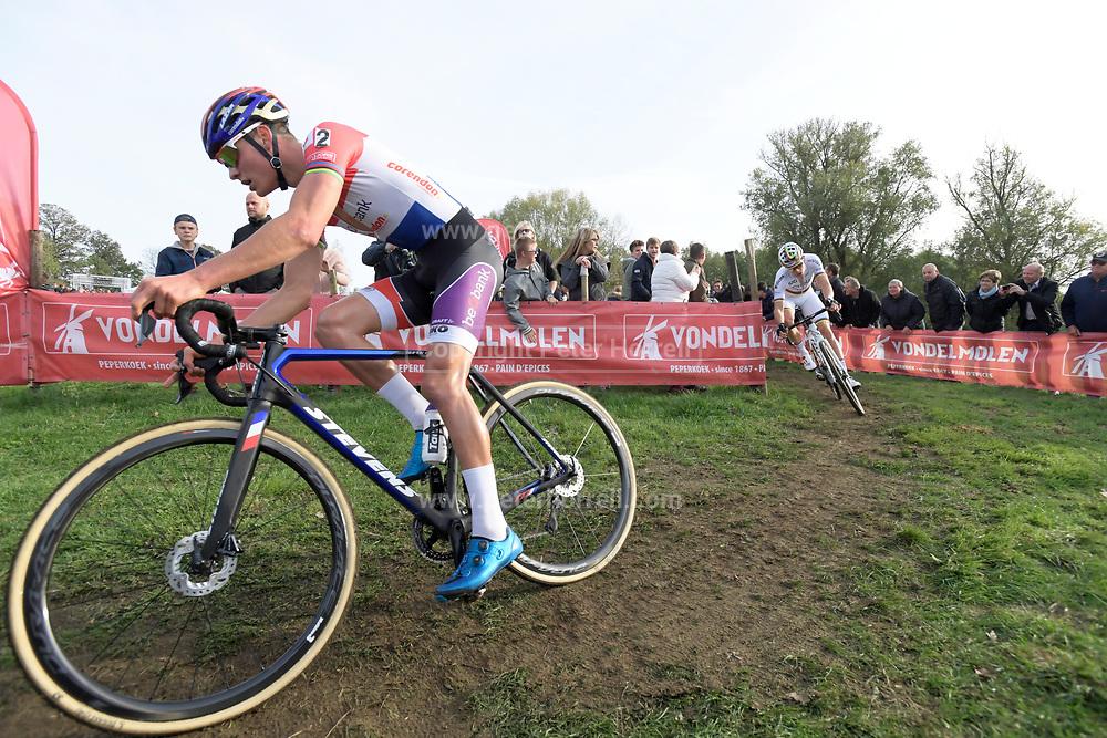 Belgium, November 1 2017:  Mathieu van der Poel (Beobank-Cornedon) leads Wout van Aert (Crelan-Charles) during the 2017 edition of the Koppenbergcross. The race is part of the DVV Verzekeringen Trofee series. Copyright 2017 Peter Horrell.