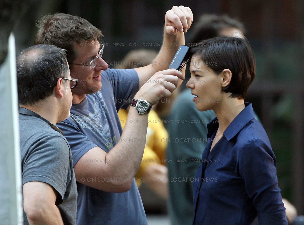 LOS ANGELES, CALIFORNIA - FRIDAY 18TH JULY 2008 NON EXCLUSIVE: Katie Holmes films scenes with Johnny Lee Miller for the TV Show Eli Stone. Photograph: On Location News. Sales: Eric Ford 1/818-613-3955 info@OnLocationNews.com