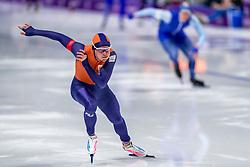 23-02-2018: Olympische Spelen: Dag 14: Pyeongchang<br /> 1000m Speedskating men / Koen Verwey verliest van zilver winnaar de Noor Havard Lorentzen