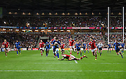 A wide view of France centre Wesley Fofana scoring France's first try during the Rugby World Cup 2015 Pool D match (22) between France and Canada at Stadium MK, Milton Keynes, England on 1 October 2015. Photo by David Charbit.