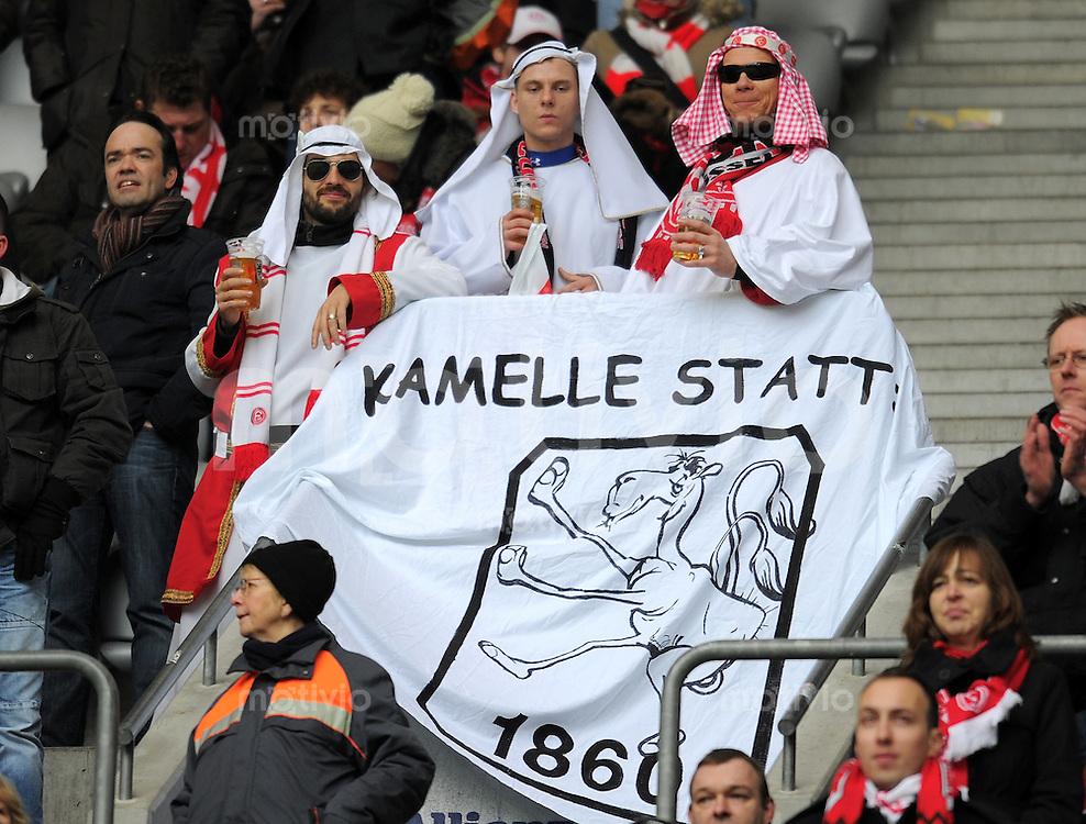 Fussball 2. Bundesliga:  Saison   2011/2012,    22.  Spieltag  TSV 1860 Muenchen - Fortuna Duesseldorf  19.02.2012 Duesseldorf Fans verkleidet im Araber Look, Kostuem