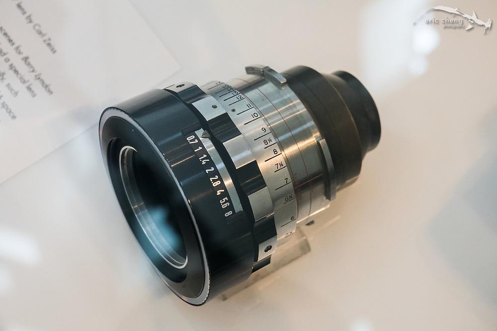 50mm f/0.7