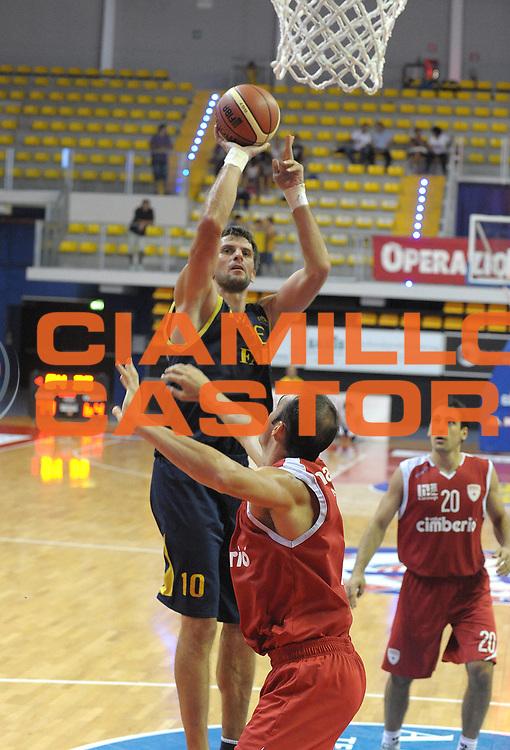 DESCRIZIONE : Biella II Torneo Memorial Gontero Lega A 2011-12 Fabi Shoes Montegranaro Cimberio Varese<br /> GIOCATORE : Sandro Nicevic<br /> SQUADRA : Fabi Shoes Montegranaro<br /> EVENTO : Campionato Lega A 2011-2012 <br /> GARA :Fabi Shoes Montegranaro Cimberio Varese<br /> DATA : 17/09/2011<br /> CATEGORIA : Tiro<br /> SPORT : Pallacanestro <br /> AUTORE : Agenzia Ciamillo-Castoria/ L.Goria<br /> Galleria : Lega Basket A 2011-2012 <br /> Fotonotizia : Biella II Torneo Memorial Gontero Lega A 2010-11 Fabi Shoes Montegranaro Cimberio Varese<br /> Predefinita :
