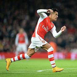 Arsenal's Alexis Sanchez in action. - Photo mandatory by-line: Alex James/JMP - Mobile: 07966 386802 - 22/11/2014 - Sport - Football - London - Emirates Stadium - Arsenal v Manchester United - Barclays Premier League