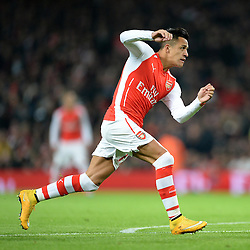 Arsenal's Alexis Sanchez in action. - Photo mandatory by-line: Alex James/JMP - Mobile: 07966 386802 - 22/11/2014 - Sport - Football - London - Emirates Stadium - Arsenal v Manchester United - Barclays Premier League
