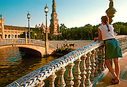 SPAIN, ANDALUCIA, SEVILLE Plaza de Espana, Maria Luisa Park