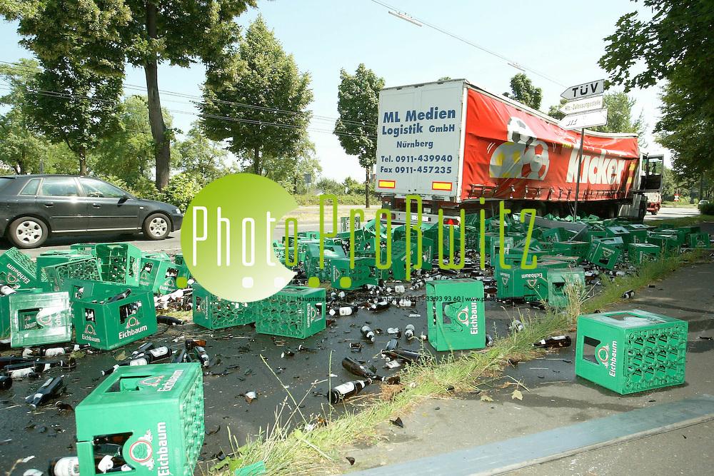 Mannheim. Unfall Feudenheimer Str. Ecke Dudenstr<br /> <br /> Bild: Pro&szlig;witz