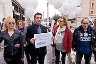 "Roma 27 Marzo 2015<br /> Flash mob degli  dell'Associazione Animalisti Italiani Onlus in Vaticano per  invitare i cattolici a non mangiare agnello per Pasqua. Rivolto un messaggio a Sua Santità Papa Francesco per  la campagna #SAVETHELAMB: ""Chi salva una vita salva il mondo"". per una Pasqua senza crudeltà. Daniela Poggi (C)<br /> Rome March 27, 2015<br /> Flash mob of Italian Onlus Association Animalisti  in Vatican to invite Catholics not eat lamb for Easter. Sent a message to His Holiness Pope Francis for the campaign #SAVETHELAMB: ""Whoever saves one life saves the world."" for an Easter without cruelty."