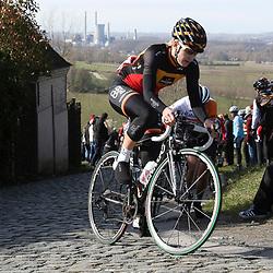 28-02-2015: Wielrennen: Omloop het Nieuwsblad: Gent<br />GENT (Bel): De omloop het Nieuwsblad is de openingskoers in BeNeLux.  Paterberg Jolien D'Hoore